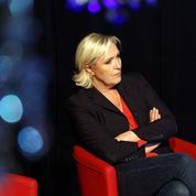 Crise ouverte au FN: l'autorité défiée de Marine Le Pen