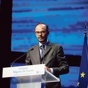 Après des coups de force, Édouard Philippe veut renouer le dialogue avec les élus locaux