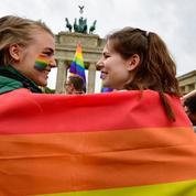 Des couples gays se marieront pour la première fois dimanche en Allemagne