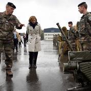 Florence Parly à la rencontre des femmes de militaires