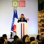 Emmanuel Macron exhorte les paysans à s'organiser collectivement