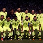 Avant un match, les joueurs du Venezuela reçoivent de la visite…de femmes