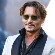 Menacé par la ruine, Johnny Depp poursuit ses avocats en justice