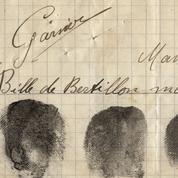 Le 24 octobre 1902, première arrestation d'un meurtrier confondu par ses empreintes digitales
