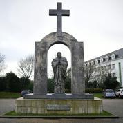 La croix de Ploërmel ou la décomposition française