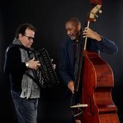 Ron Carter et Richard Galliano triomphent à La Seine Musicale