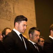 Les All Blacks se recueillent sur la tombe du soldat inconnu à Paris
