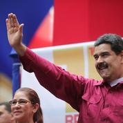 Le Venezuela suspendu à l'aide de la Russie et de la Chine