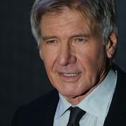 Harrison Ford vient à la rescousse d'une automobiliste après une sortie de route