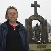 Les «Libres-Penseurs», ces militants qui pourchassent les symboles religieux