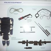 Salon Milipol : des entreprises chinoises proposaient à la vente des instruments de torture