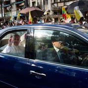 Le Pape rencontre le chef de l'armée birmane dès son arrivée au Myanmar
