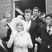 1965 : Foule en délire au mariage de Johnny et Sylvie