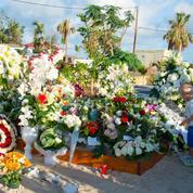 Johnny Hallyday : le pèlerinage sur sa tombe, à Saint-Barthélemy, a commencé