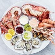 Pour le premier de l'an, caviar et homard au Ritz, sushi et burgers chez Foodora et Allo Resto