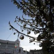 «Une brosse à toilettes», le sapin de Noël de Rome moqué par les internautes