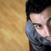 L'humoriste Yassine Belattar ne fait plus rire les directeurs de salles de spectacle