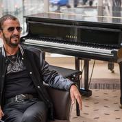 L'ex-Beatles Ringo Starr distingué par Elizabeth II