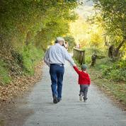«La plus grande fréquence des divorces laisse sur le carreau des grands-parents désemparés»