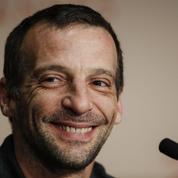 Kassovitz n'a plus la haine et s'indigne de l'agression de policiers à Champigny