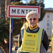 Une responsable d'Amnesty International poursuivie pour aide aux migrants