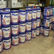 Lait contaminé: les distributeurs accusent Lactalis, les consommateurs ciblent l'État