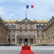 Macron reçoit le gotha économique mondial ce lundi à Versailles