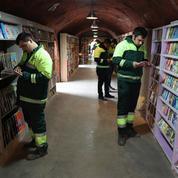 En Turquie, des éboueurs récupèrent des livres pour créer leur bibliothèque