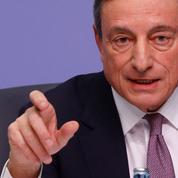 La flambée de l'euro face au dollar complique la tâche de Mario Draghi