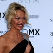 Alerte à l'OM, Pamela Anderson s'installe à Marseille avec son chéri Adil Rami