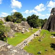 Une immense cité maya découverte sous la jungle abondante au nord du Guatemala