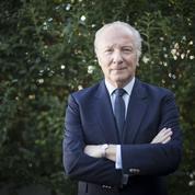 Corse : la droite regrette les propos de Macron sur la Constitution
