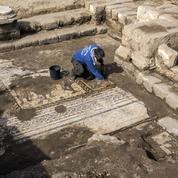 Israël: une «rare et belle» mosaïque de l'époque romaine découverte