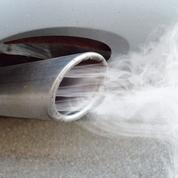 Automobile: première hausse des émissions de CO2 en France depuis 1995