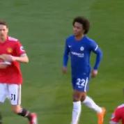 Manchester-Chelsea : le geste de malin de Willian avec la note de Mourinho