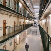 Macron à Fresnes pour mesurer la crise des prisons