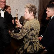 Le voleur de l'Oscar de Frances McDormand arrêté par un photographe