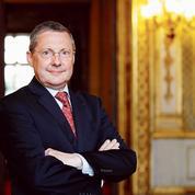Philippe Bas: «L'exécutif devra faire des concessionssur la réforme des institutions»