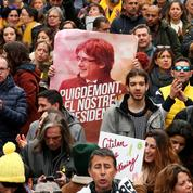Catalogne : manifestation à Barcelone après l'arrestation en Allemagne de Carles Puigdemont