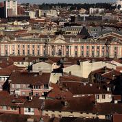 Toulouse : des identitaires installent des panneaux anti-djihadistes aux abords de la ville