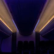 Voyage en avion : comment la lumière à bord joue sur notre confort