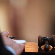 Commissaires-priseurs et huissiers, une fusion délicate