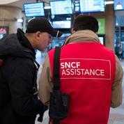 Grève SNCF: syndicats et direction en opération séduction auprès des usagers