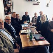 En Gironde, élus FN, DLF et LR se rassemblent au nez de leurs partis