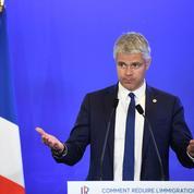 Wauquiez propose un référendum sur l'immigration