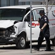 Toronto : une voiture-bélier renverse des piétons, dix morts