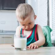 Pour les bébés, l'allergie alimentaire passe aussi par la peau