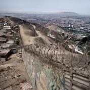 À Lima, «le mur de la honte»