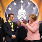Emmanuel Macron exhorte Angela Merkel à réformer l'Europe