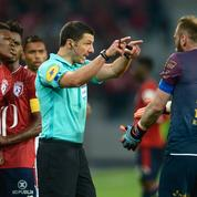 Les arbitres réclament des sanctions plus lourdes pour les joueurs de foot